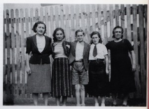 Foto de dues familias exiliades a França , 1939
