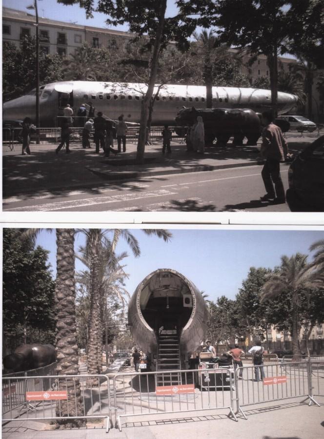 carcasa de avió a la rambla del raval, per una campanya comercial