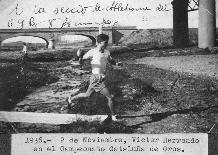 Víctor Herrando en un moment de la seva participació al Campionat de Catalunya de Cros any 1936.