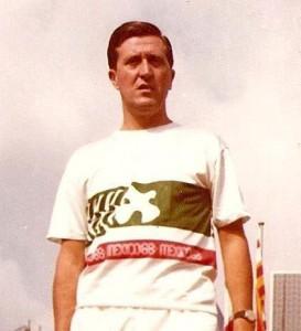 Guillem Ros participant als Jocs de Mèxic del 1968 i amb una gran trajectòria, durant la seva vida esportiva, tan d'atleta com de President de la Federació Catalana d'Atletisme.