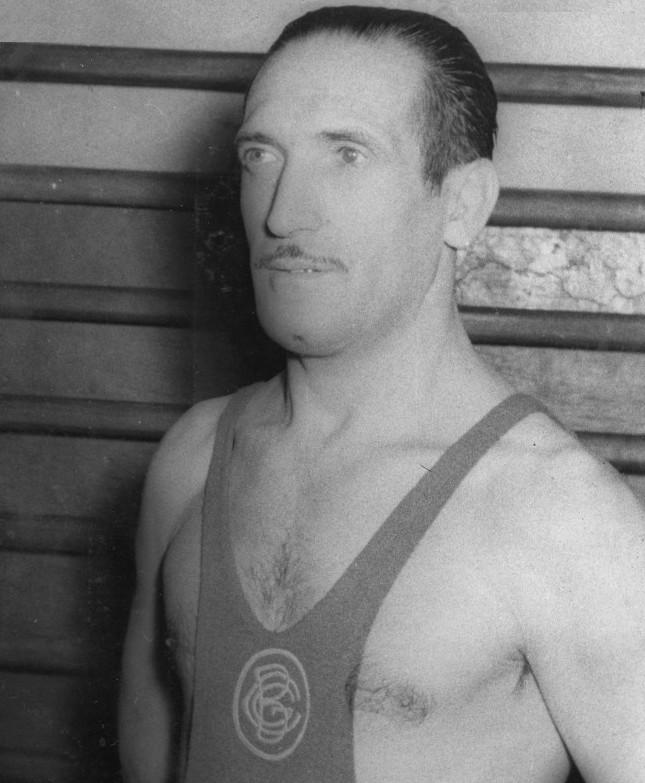 Gracià Cuesta ha estat Gracià Cuesta un lluitador destacat de Greco romana, entrenador i seleccionador nacional.