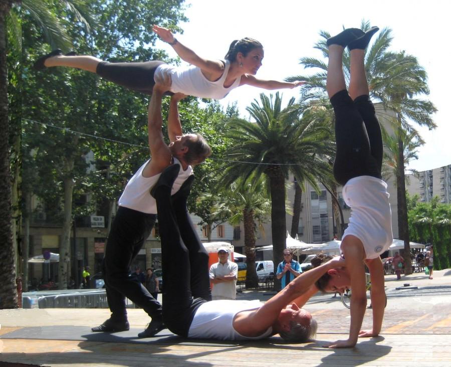 Actuació del Grup Ornamental del CGRB a la Festa Major del Barri del Raval.
