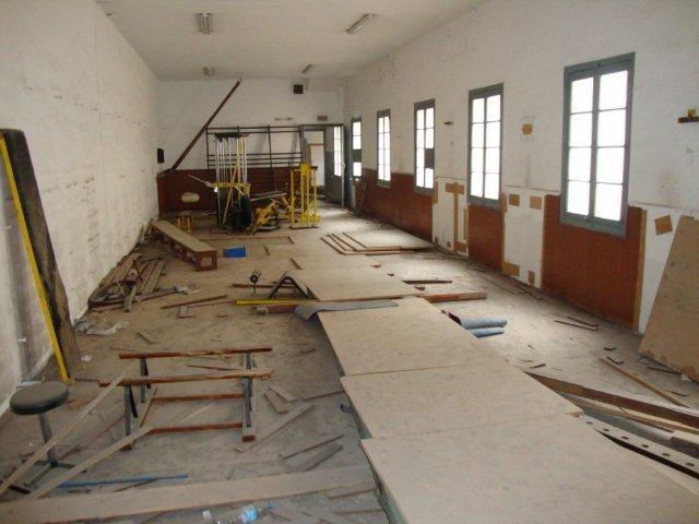 Sala de pràctica d'activitats variades: sueca, fitnes, ornamental, escala, politxes.