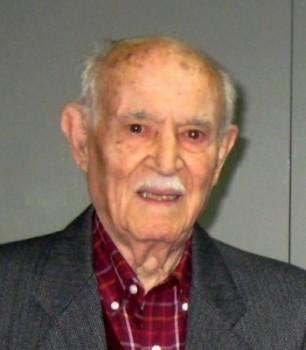 Víctor Herrando Aroza soci fundador del CGB al 1933. President a l'any 1940, 1957, promotor de la celebració del 25è Aniversari del Centre i President honorífic de la nova Entitat: Club Gimnàstic el Raval Barcelonès - 2010