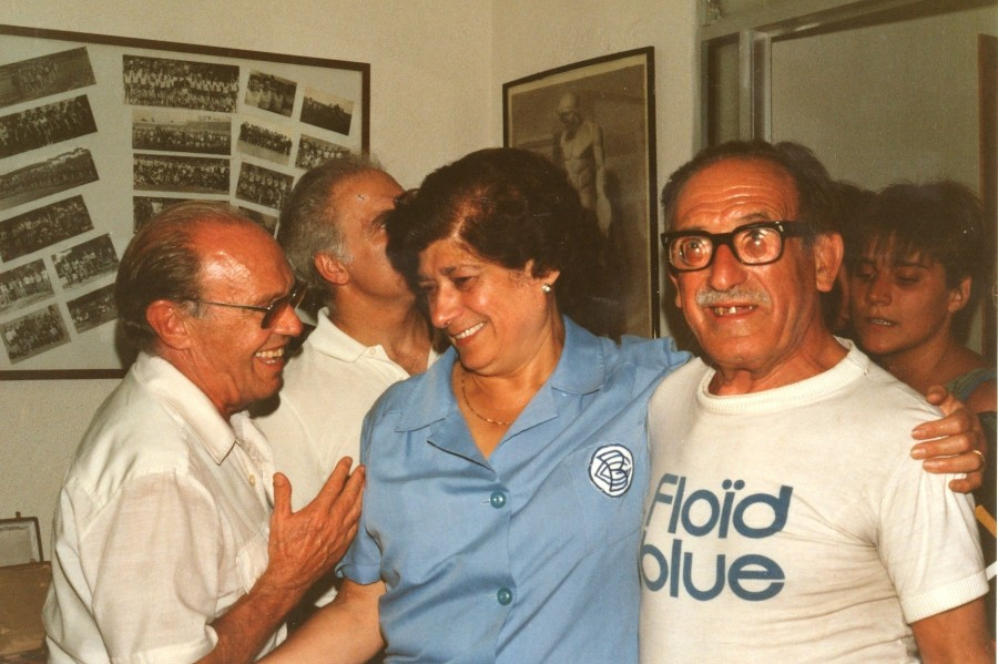 Moment de l'homenatge a la Sra. Pilar encarregada del guardarrobes d'accès al Centre.
