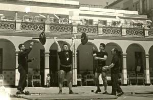 Exhibició de seccions esportives del CGB al Pati de l'antic Hospital de nens de Sant Joan de Deu. a la dècada dels anys 60's