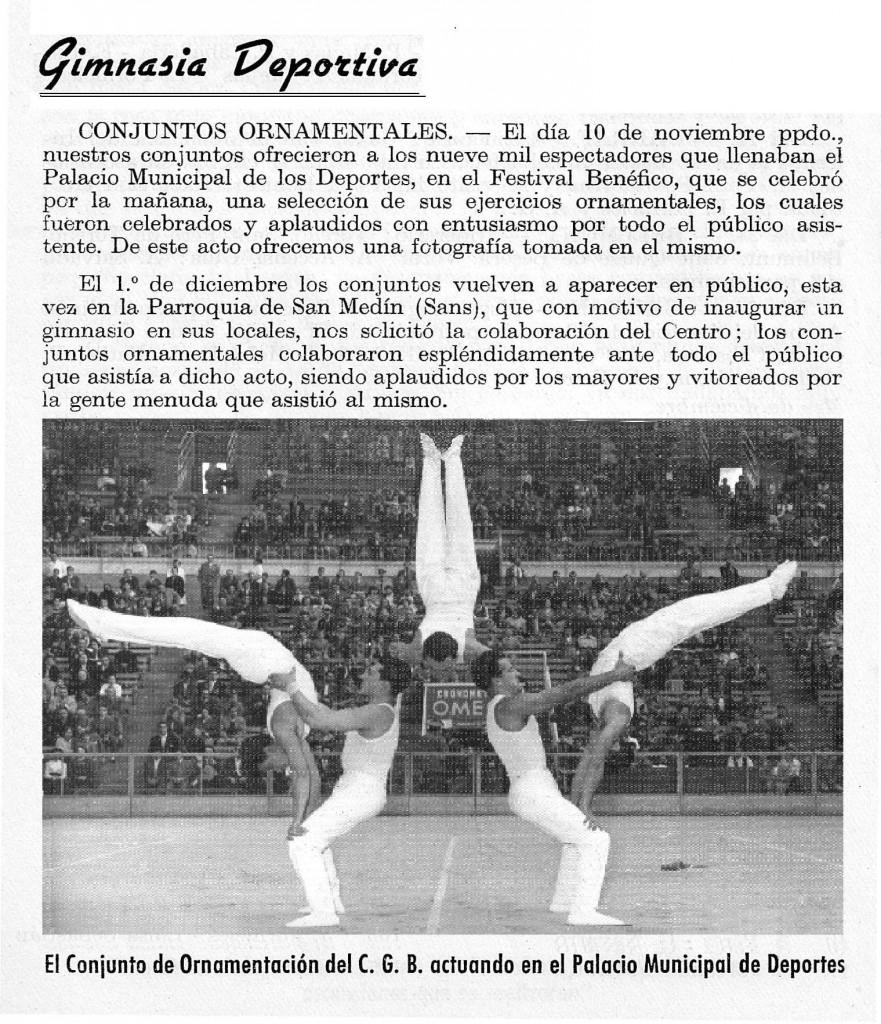 Josep Sànchez Planici actuant com a Capità i membre del Conjunt d'ornamental del Barceloès. Exercici anomenta el brollador. Any 1958