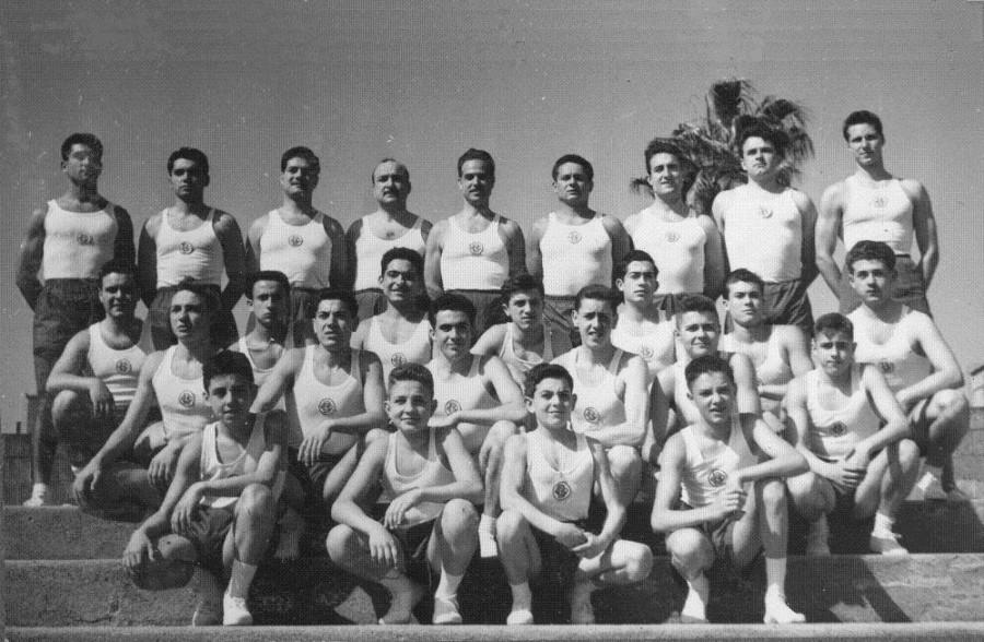 Equip de gimnàstica educativa que als anys 1950's va assolir un nivell gimnàstic immillorable de la mà del monitor en Tomàs Cabrero. D'aquesta base van sortir desprès atletes de molt rendiment en altres especialitats gimnàstiques.