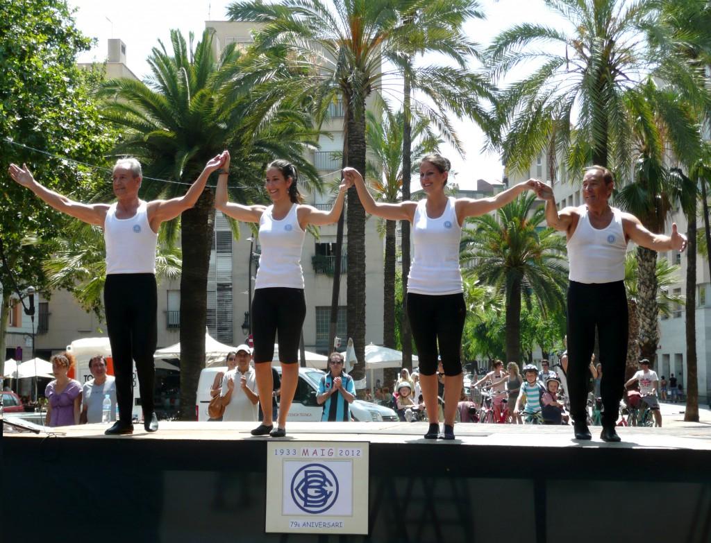 Aquí veiem el nou Conjunt ornamental del CGRB, actuant a la Festa Major del Raval de 2012. Tenien dues noves gimnastes: Anna Espinosa i Sílvia Espinosa així com els continuadors de la Secció Ornamental: Joan Espinosa i Miquel Navarro.