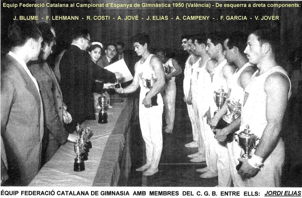 Moment de recollir els premis del Campionat de Gimnàstica esportiva celebrat a València. Equip de la Federació Catalana de Gimnàstica en el que participava el nostre millor gimnasta: Jordi Elias Pérez.