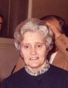 Senyora Quimeta recepcionista del Barcelonès des dels anys 50's fins la dècada dels 80's el dia del seu Homenatge per Jubilació