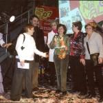 Recollint el premi a la Millor Comparsa 2007.