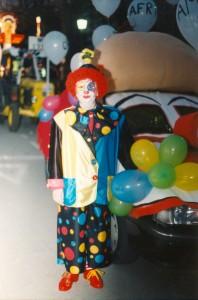 La Gran Pllassada1998, disfressa de paiasso, icotxe.