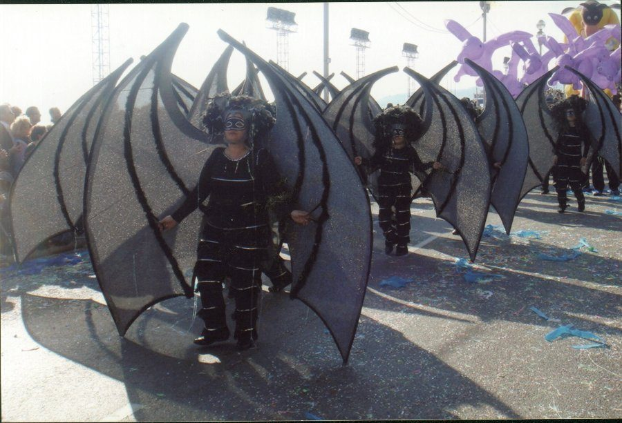 Les raps penyats, desfilant en la rua de Niça2008.