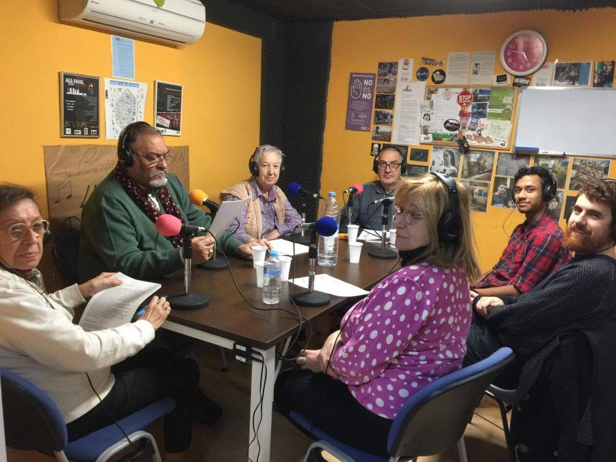 L'equip de mediateca ràdio enregistrant el 155 amb bon humor